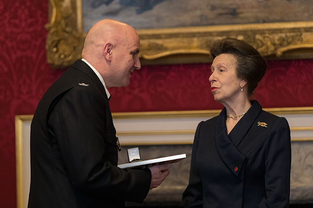 Prison Officer Mark Coleman receiving his award from HRH Princess Royal